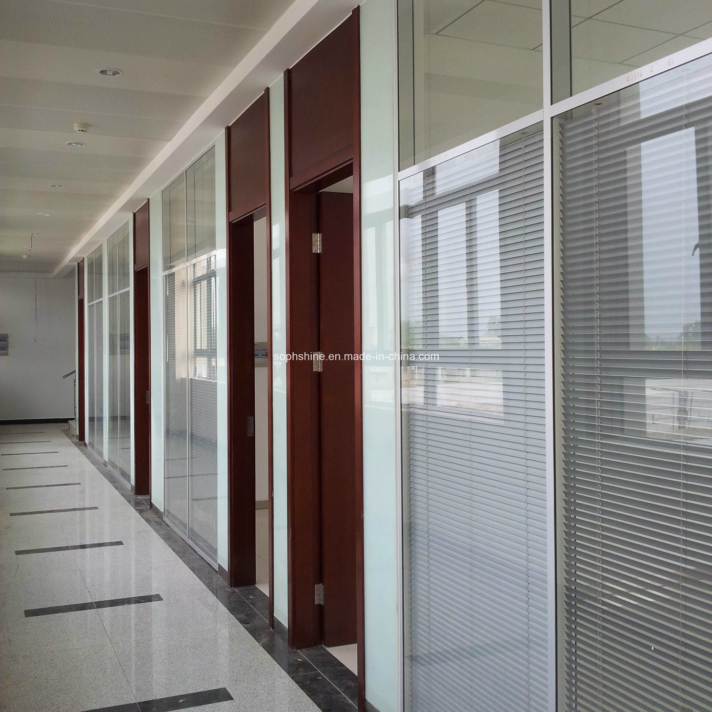 Electronic Control Venetian Blinds Between Tempered Twi-Glass for Office Partition