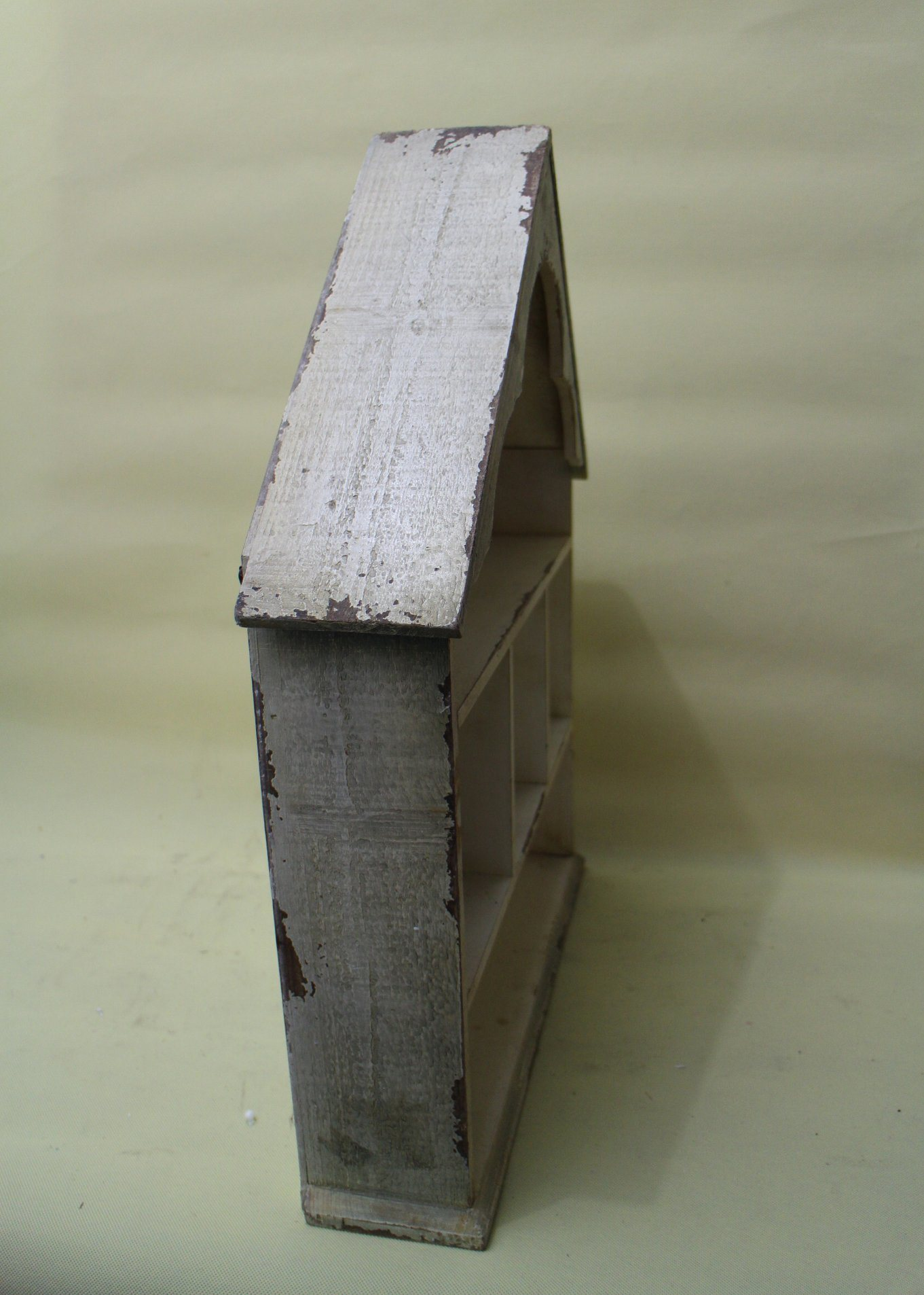 The Shape of The White House Contracted Natural Wood Lattice Flower Shelf