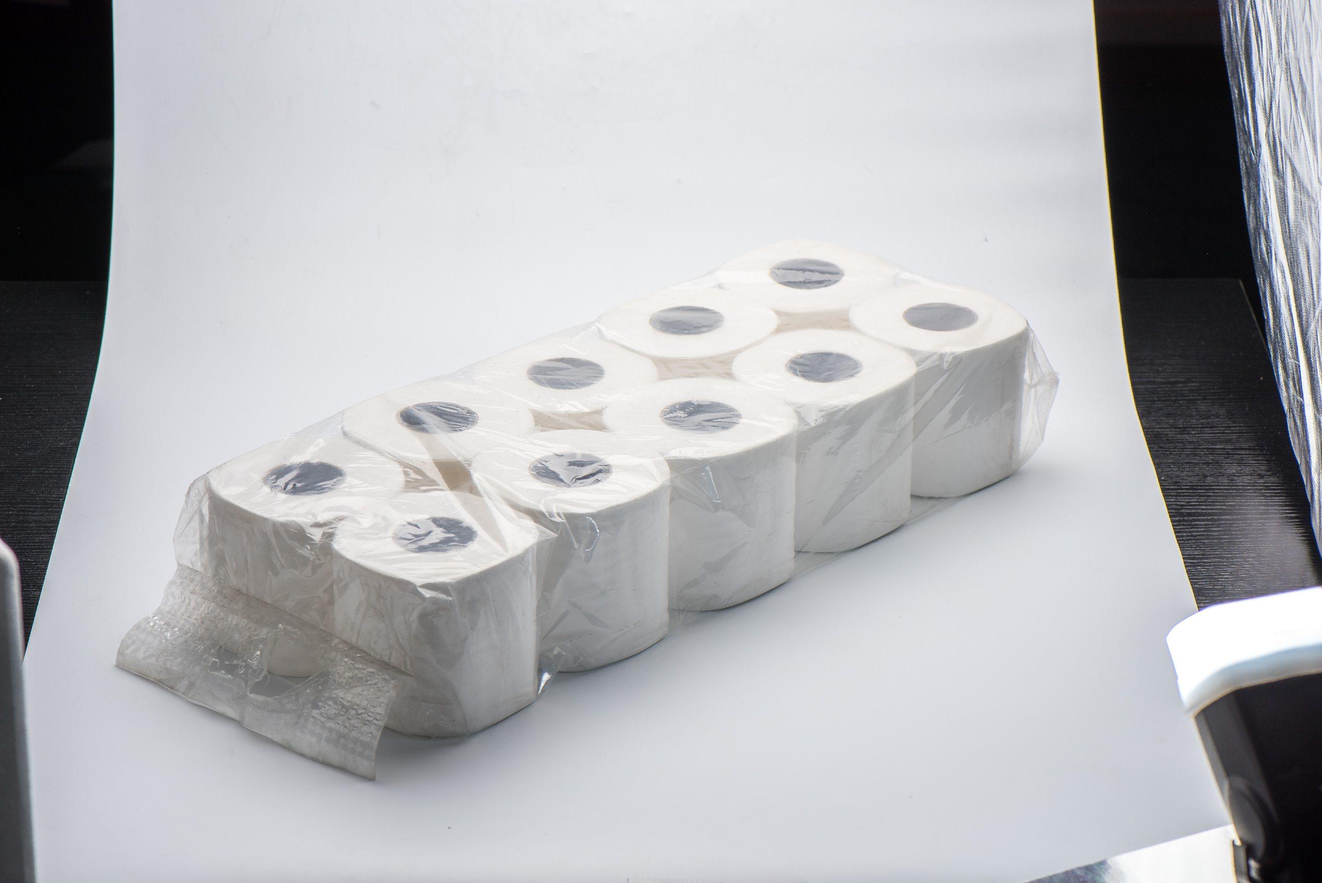 2017 Roll Toilet Tissue Paper From Shanghai, 300m 2ply (KL004)