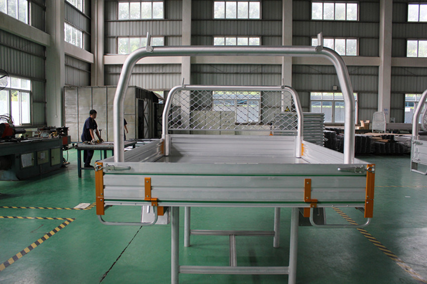 Cosco Extruded Aluminum/Aluminium Tray Body for Trucks