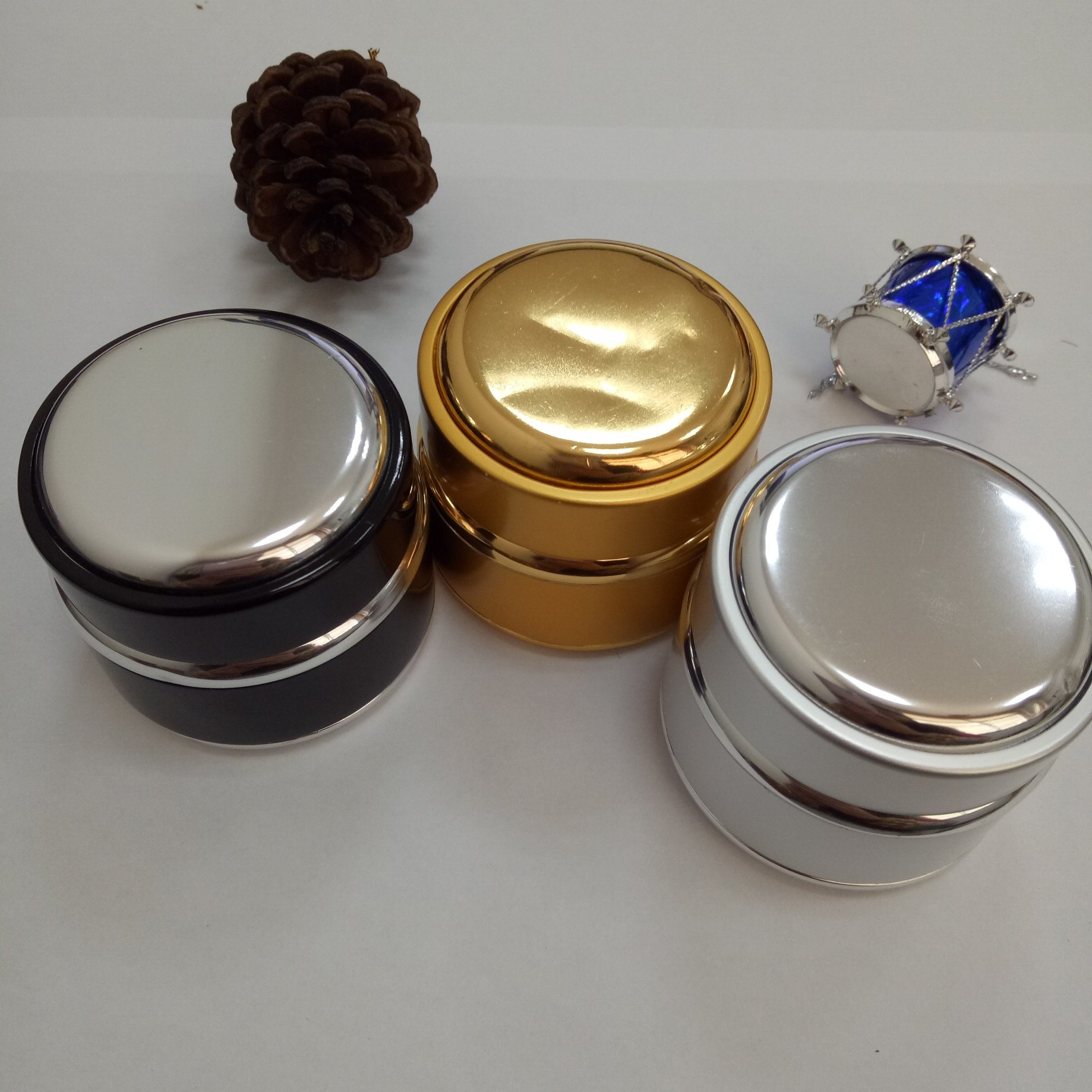 Gel Cream Packing Aluminum Sheathed Glass Jars