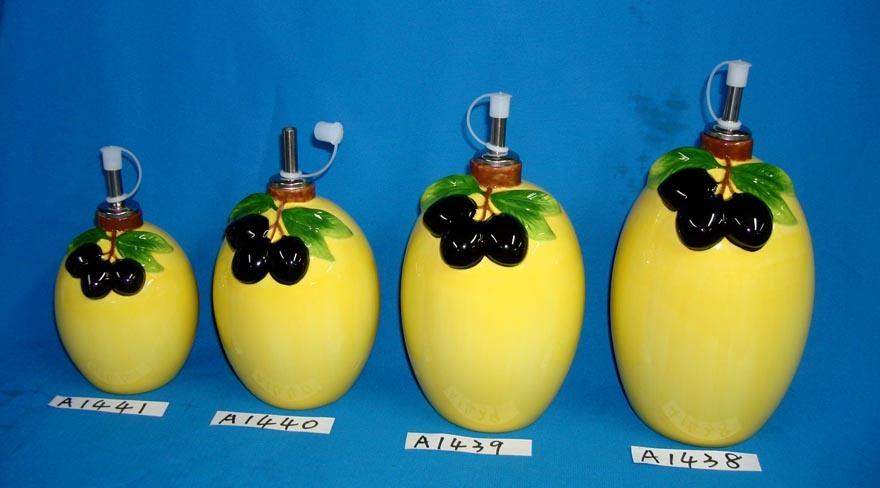 Set of 4 Ceramic Oil Bottles with Screw Cap