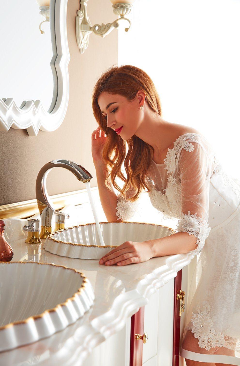 Antique Design Bathroom Vanity Sw-63028-16