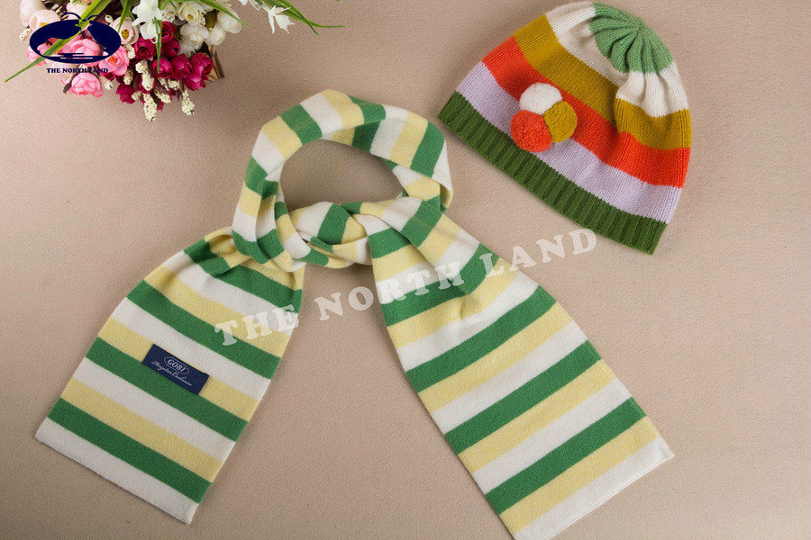 Cashmere Children′s Hat and Scarf