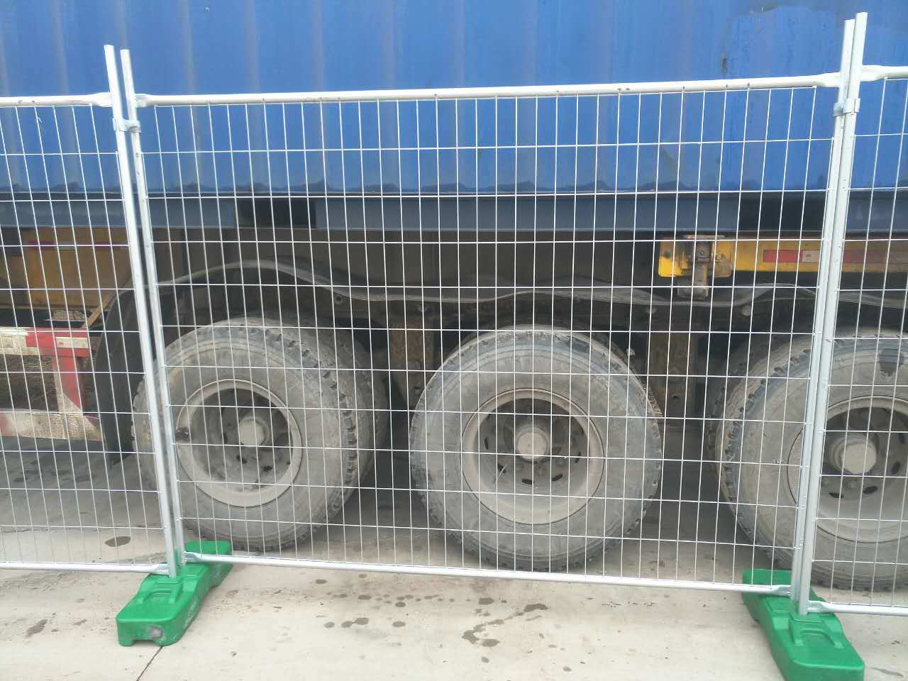 Used Second Hand Temp Fencing Panels 2100mm X 2400mm Customized Fence Panels