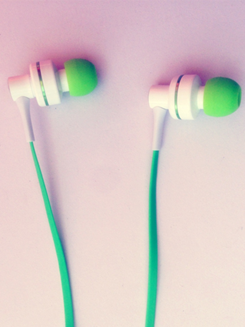 Hot Selling Noise-Cancelling MP3 Earphone