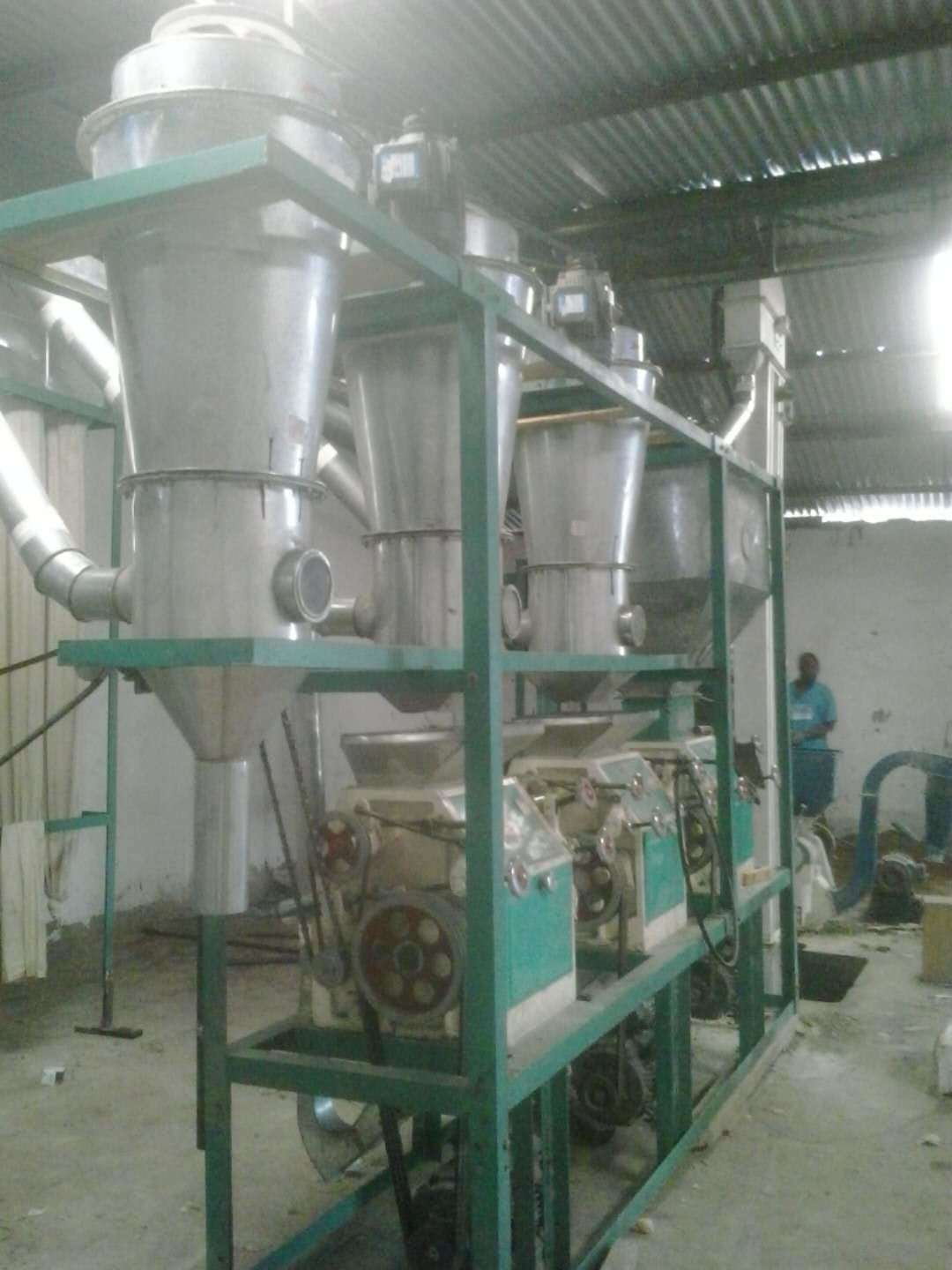 10-20tpd Small Complete Line for Corn, Wheat Flour Mill Plant