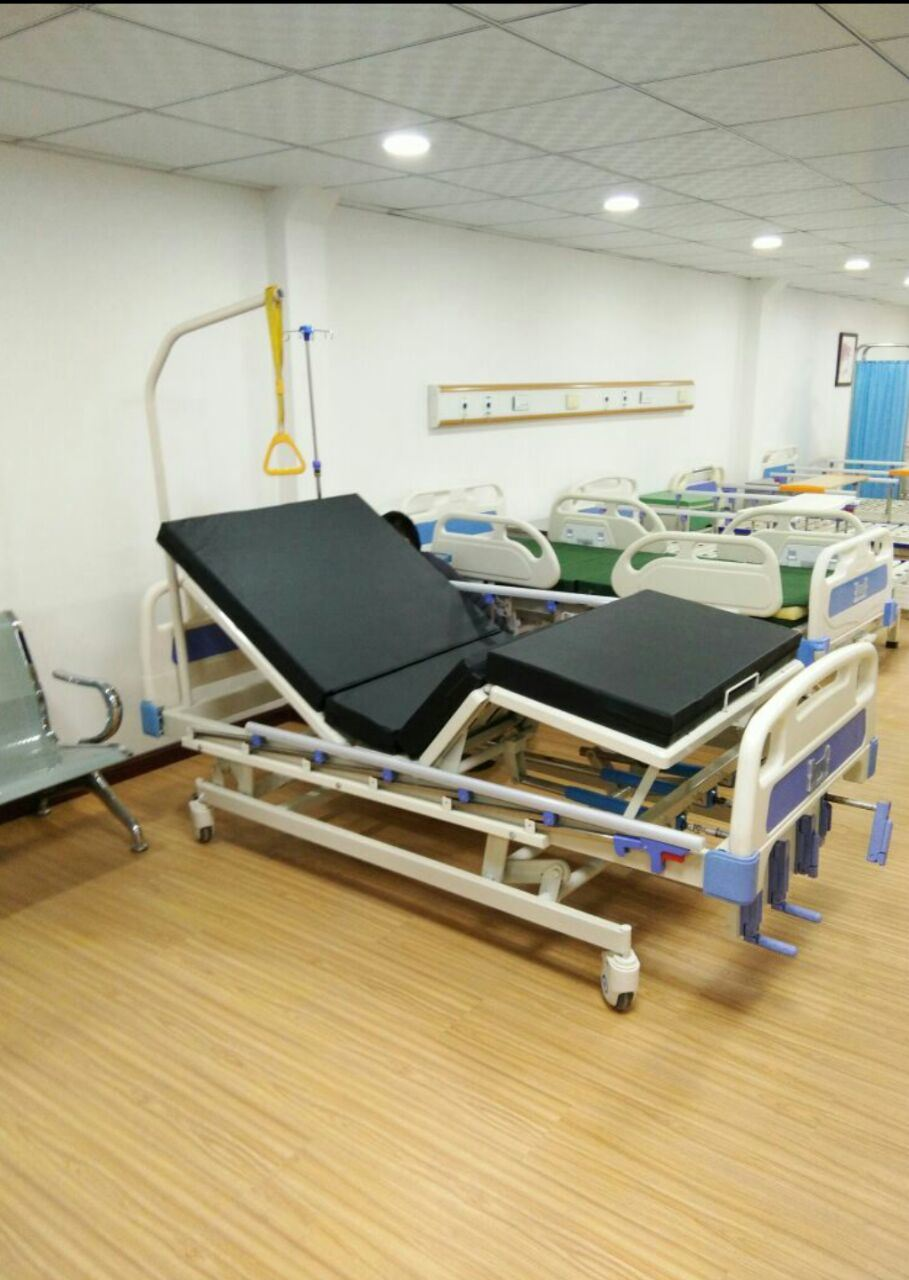 Multi-Functional 5 Function 4 Crank Manaul Hospit Bed