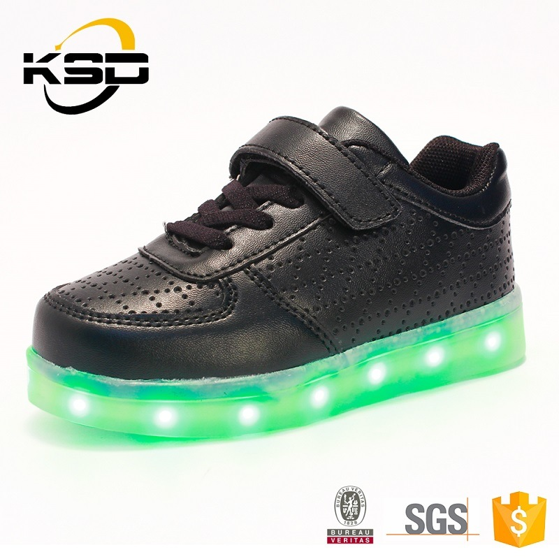 Hot Fashionable Style PU Leather LED Shoes for Children