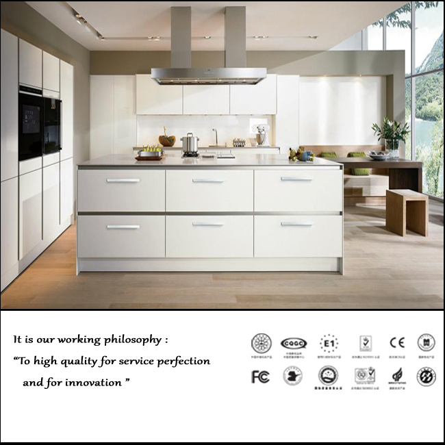 Modern UV High Glossy Kitchen Cabinet (ZH091)