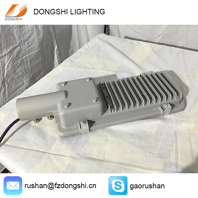 10W 20W IP65 Philips LED Street Light with Lens