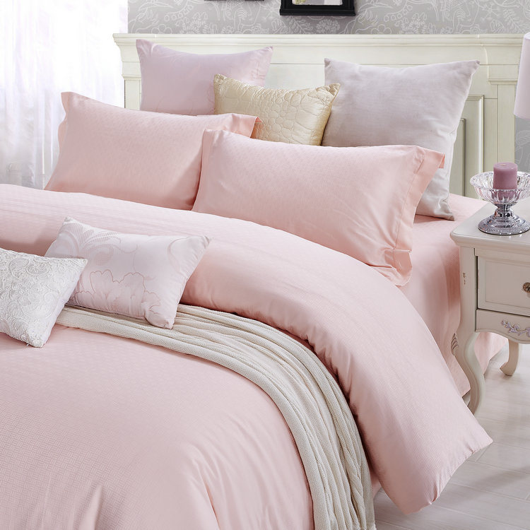 Classic Pink European Simple Style Bedding Sets
