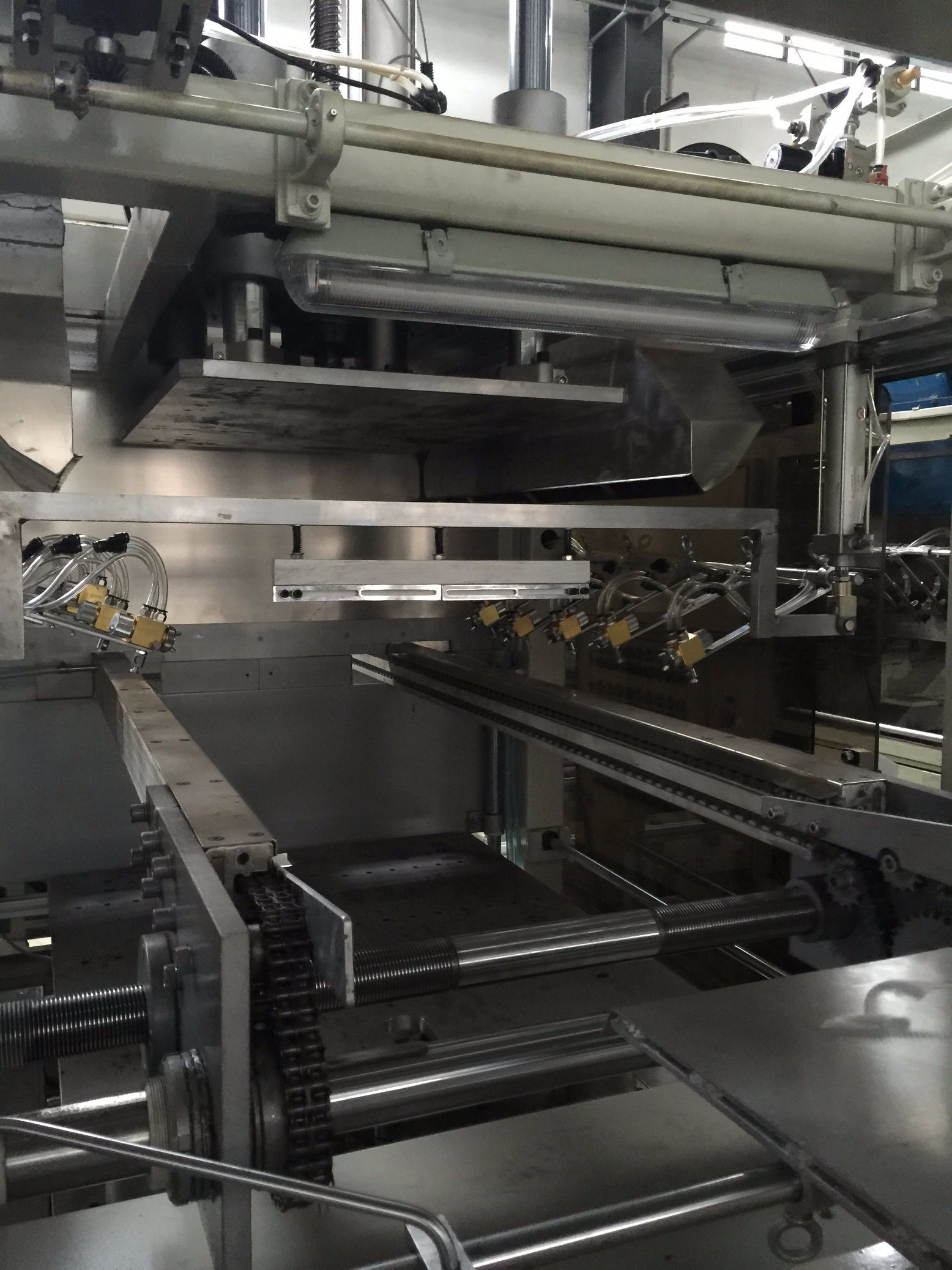 Multi-Function Automatic Lunch Box Found Container Forming Machine