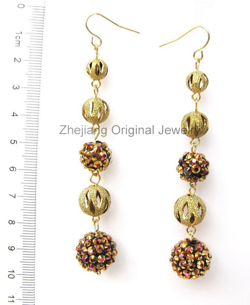 dating rhinestone jewelry Dating jewellery by a simple time line by identifying the different ages that   czech filigree vintage jewellery with their bright colorful rhinestone crystals  became.
