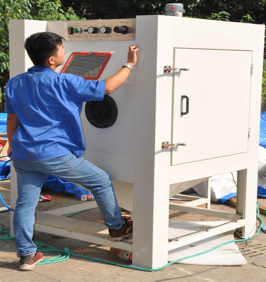 China Colo-9060 Suction Blast Cabinet Industrial Sandblasting ...