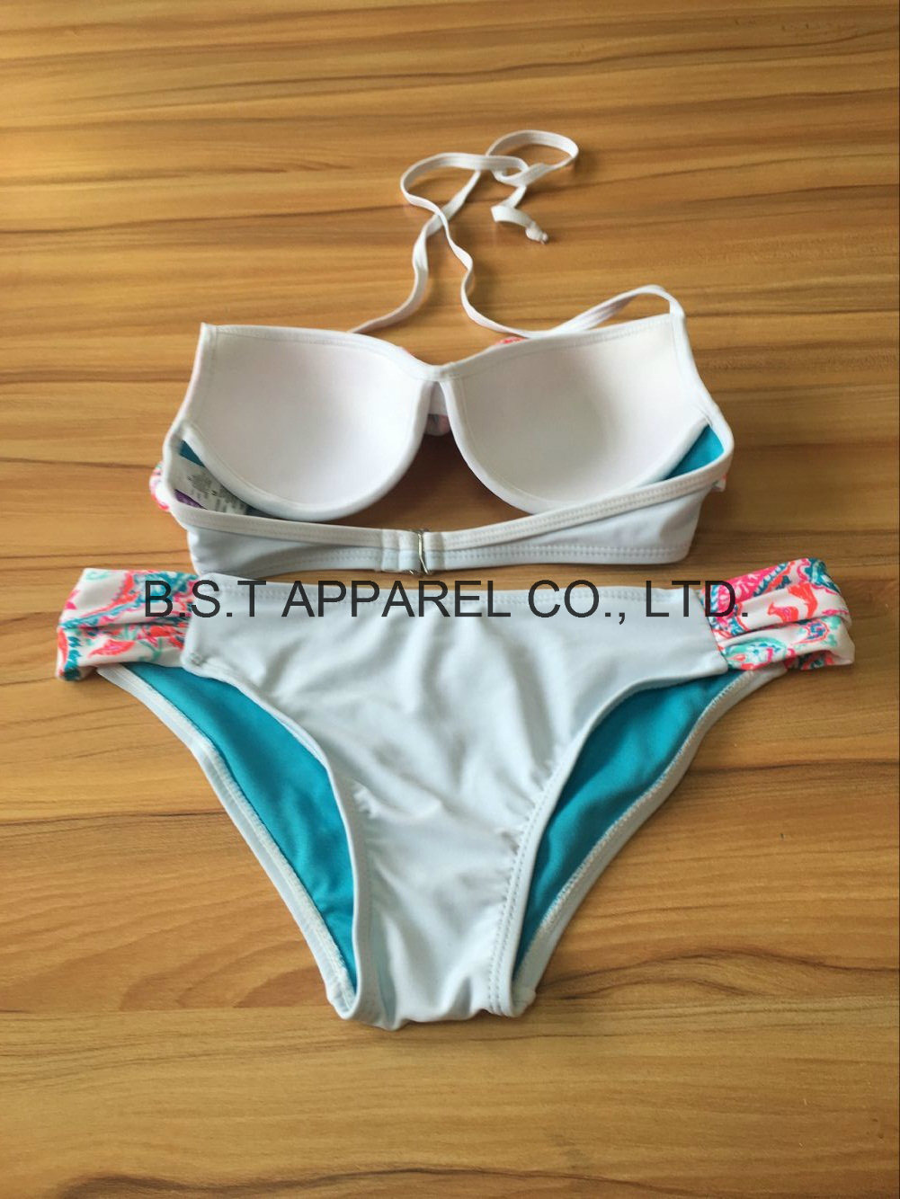 Sexy Mould Cup Flounce Two-Piece Bikini (QG-6105W)