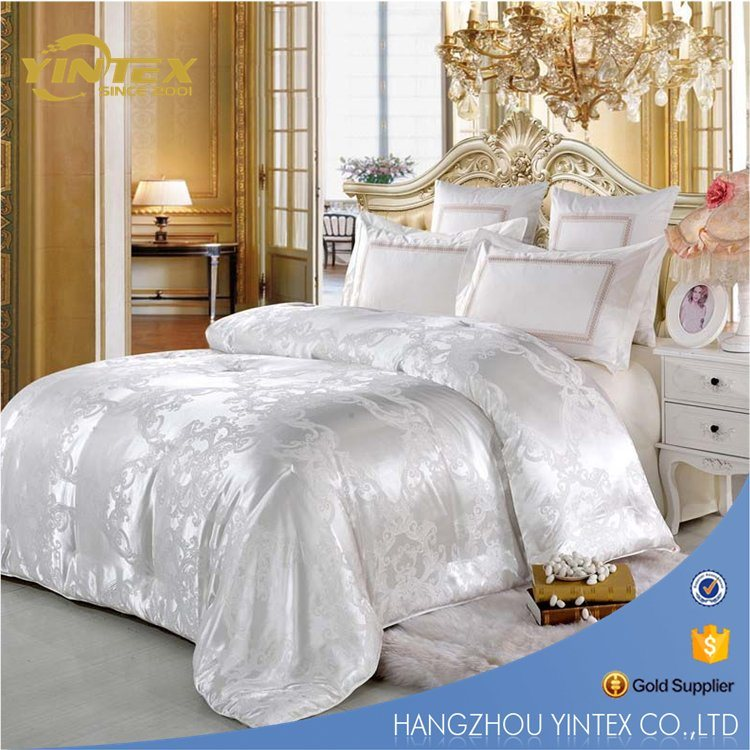 Chinese Luxurious Mulberry Natural Silk Quilt Comforter Silk Duvet with Jacquard Cotton Cover