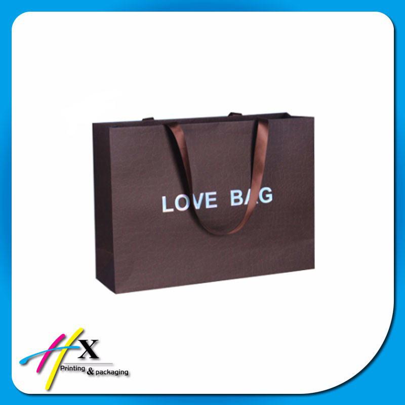 Fashion Custom Printed Paper Gift Bags Christmas Garments/Cosmetic Packaging Bags