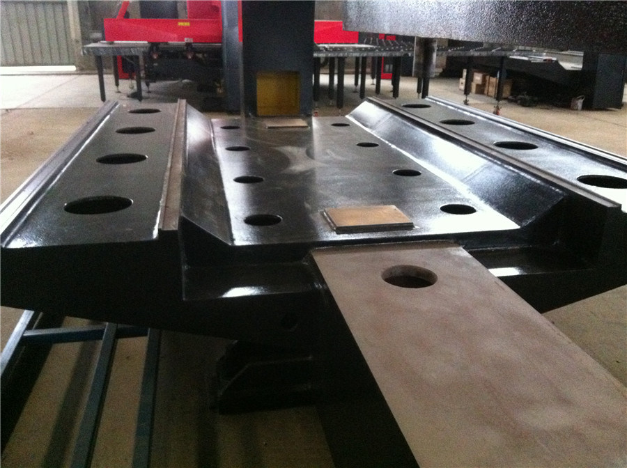 HP30 ISO9001 Machinery Metal Perforator/CNC Turret Punching Machine