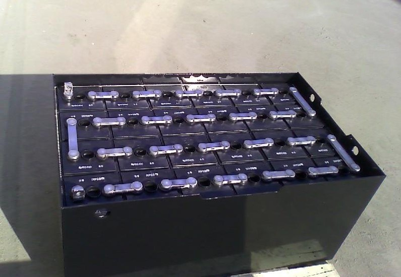 China Forklift Battery Lead Acid (8PZS640) Photos ...