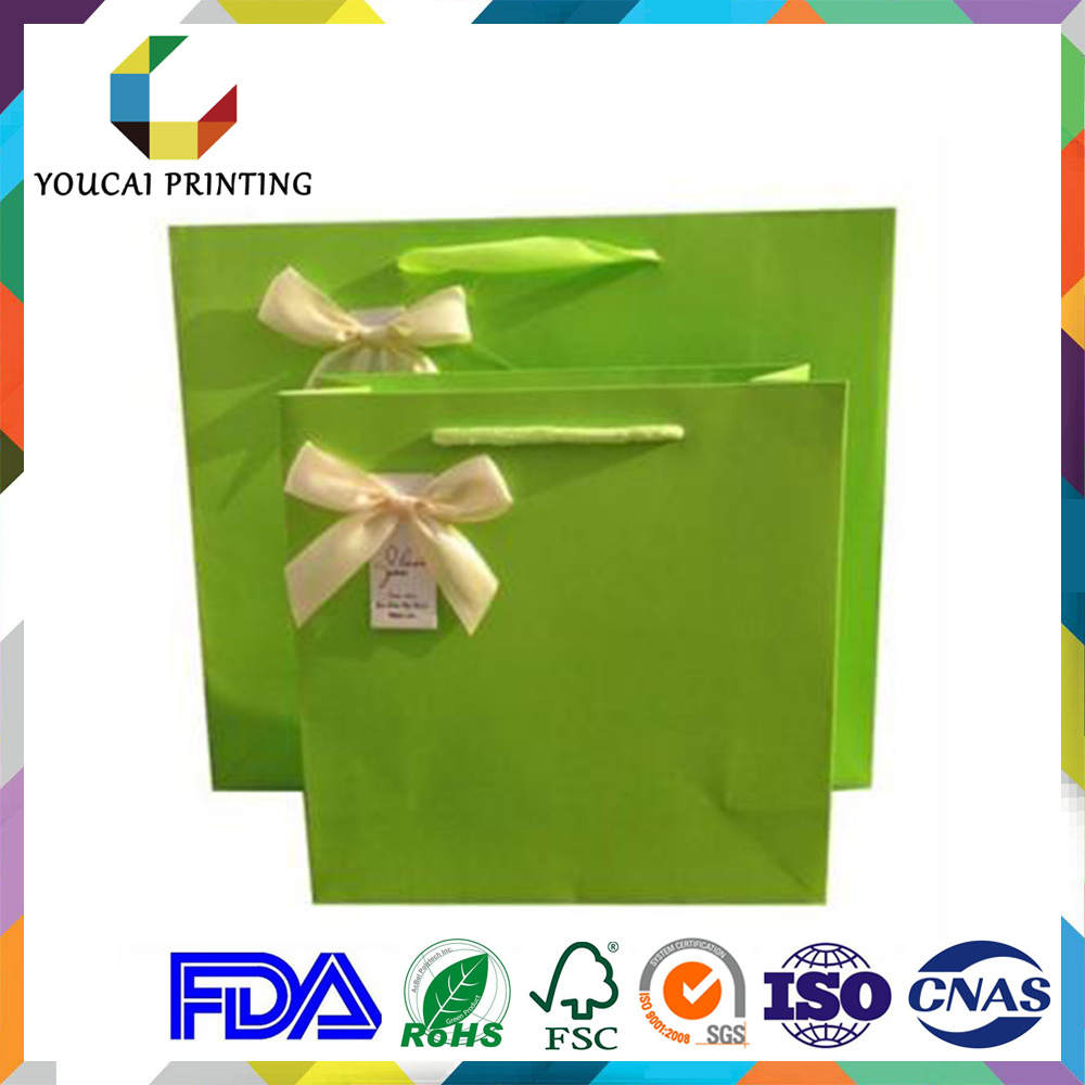 Elegant Gift Packaging Bag with Hang Tag