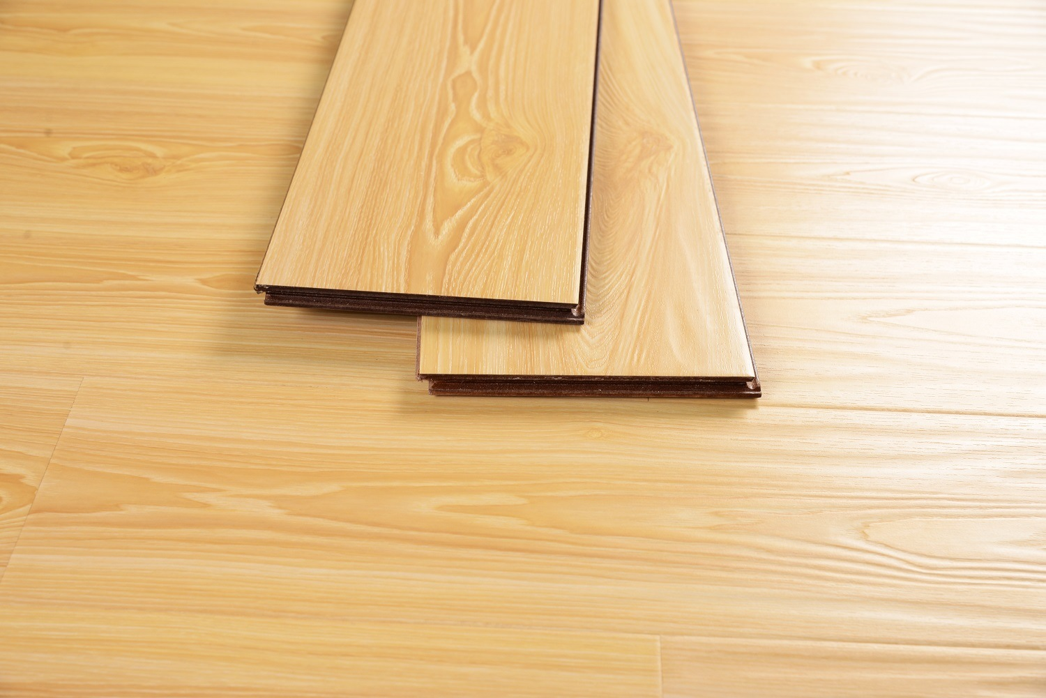 Good Quality Best Price Laminate Flooring