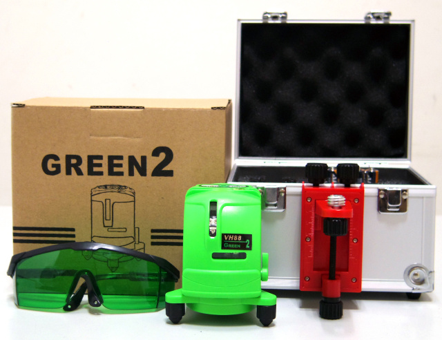 Hand Tools Danpon Laser Level Cross Line Laser Green Beams with Wall Bracket