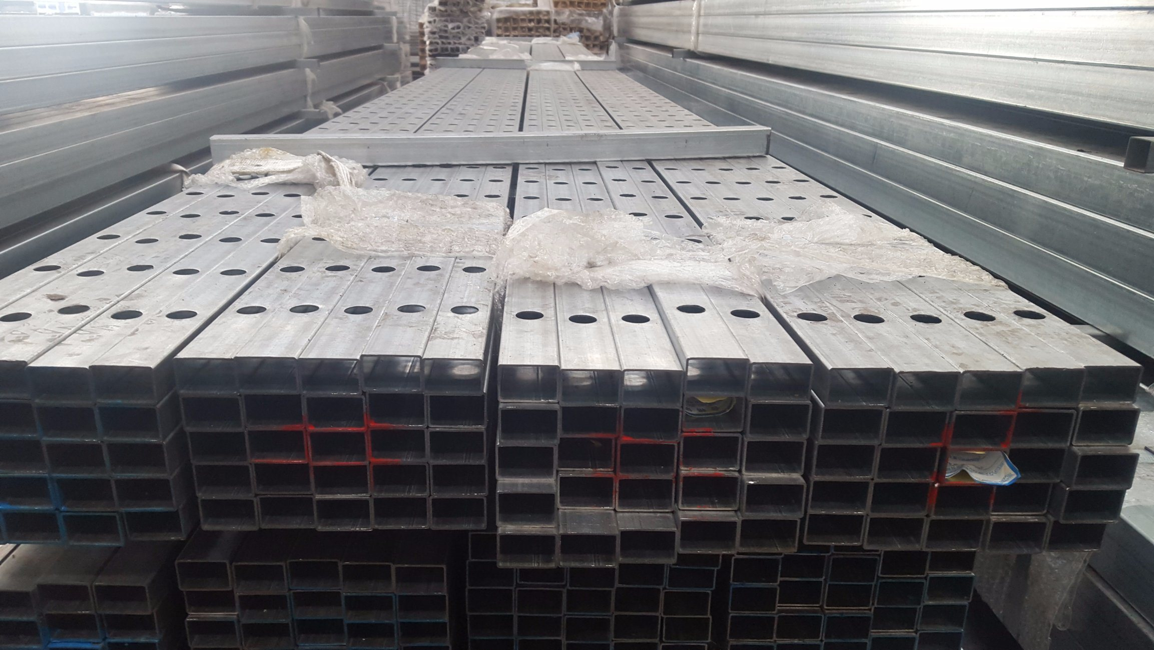 Galvanized Steel Long Punched Fencing Rails