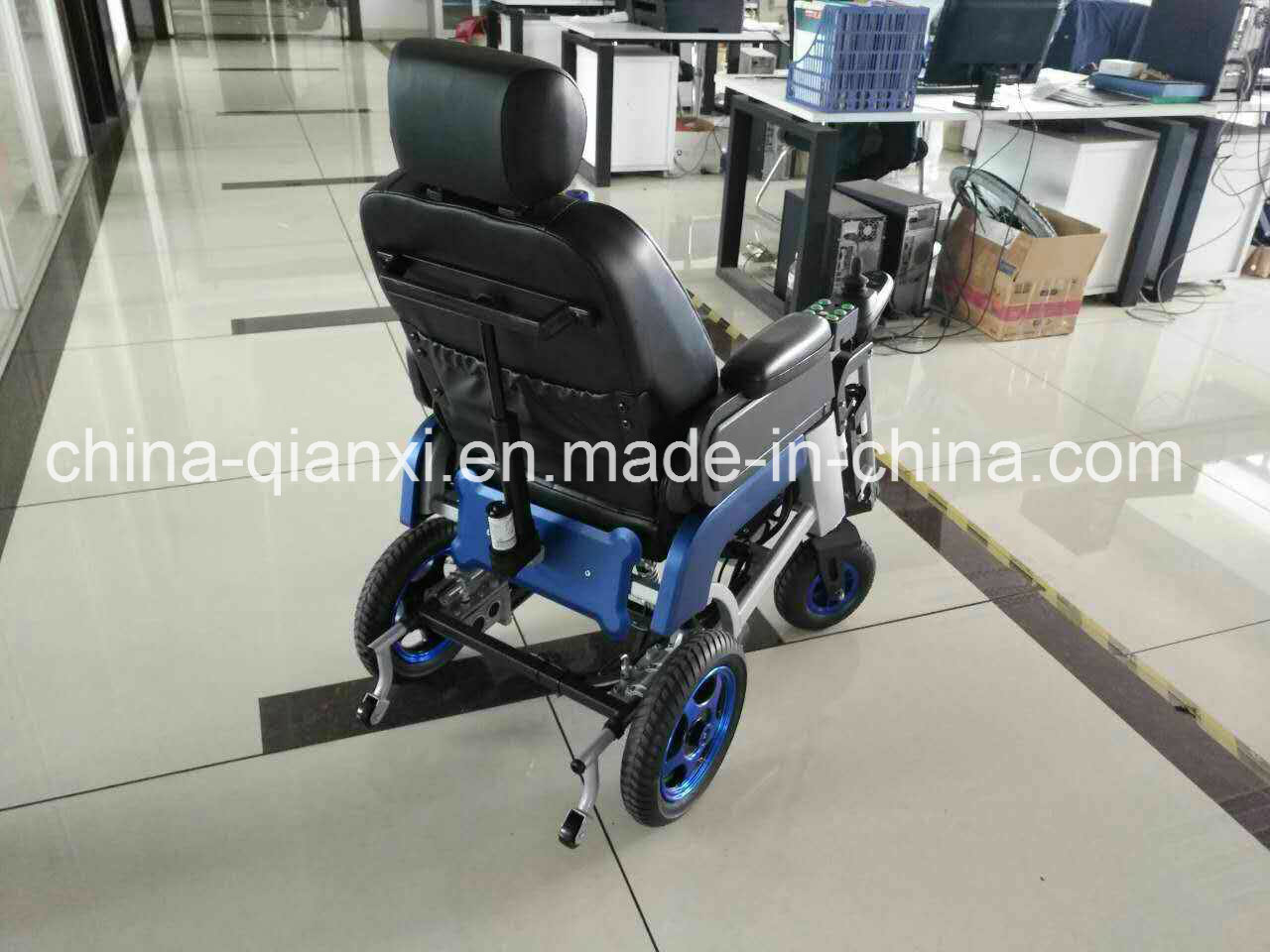New Design Lithium Electric Wheelchair with Ce