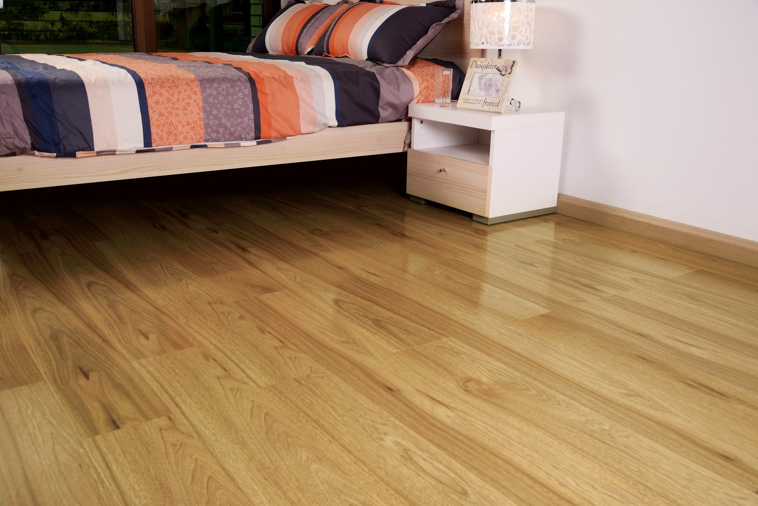 12mm High Gloss Laminate Flooring