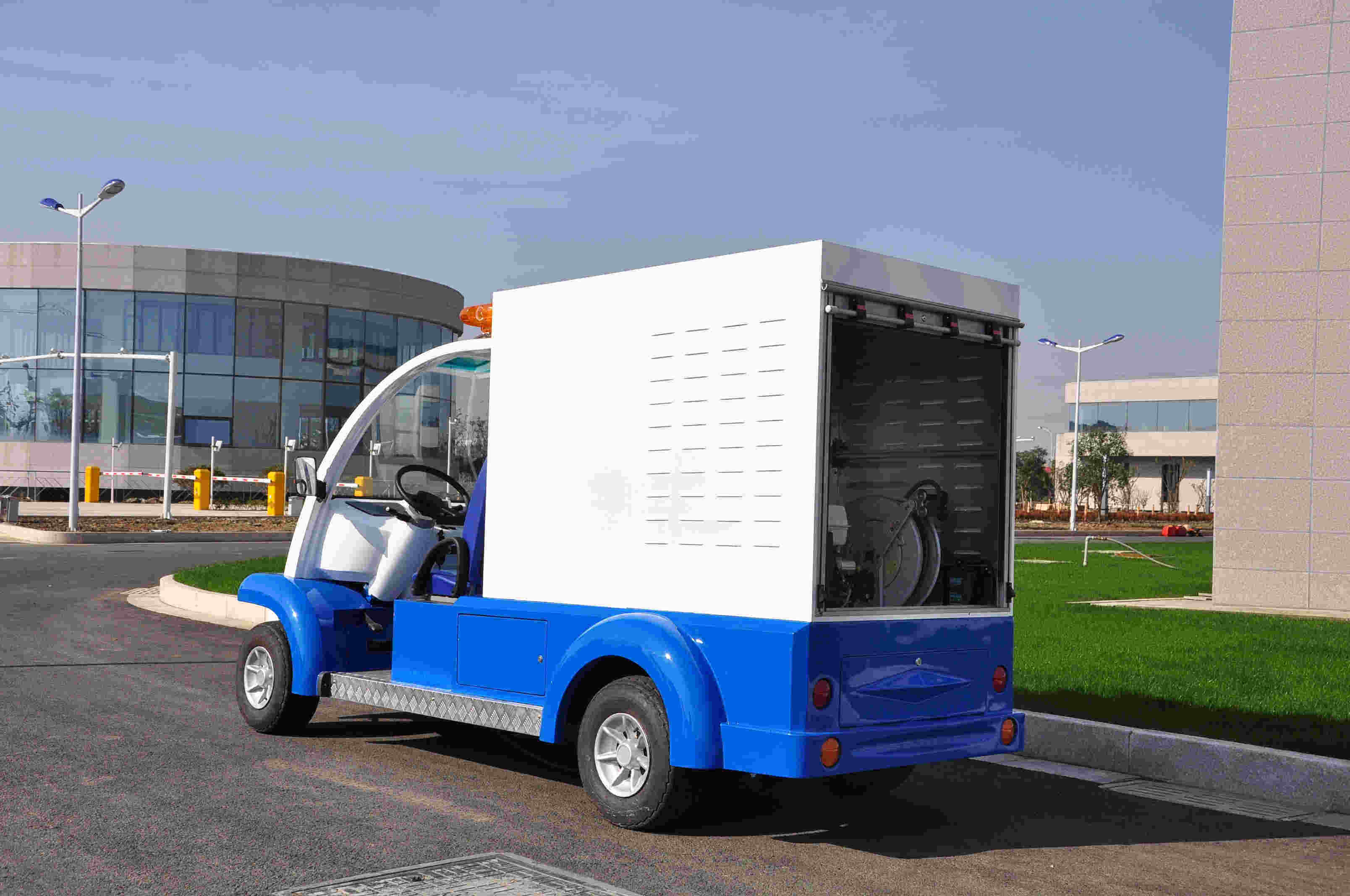 Electric Liquid Garbage Collection Truck