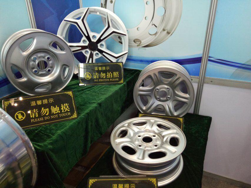 Light Weight Car Steel Wheel Rim (6J*15, 5J*14)