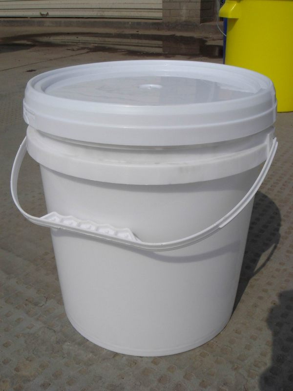 china 10l plastic paint pail with lid and handle wh p10