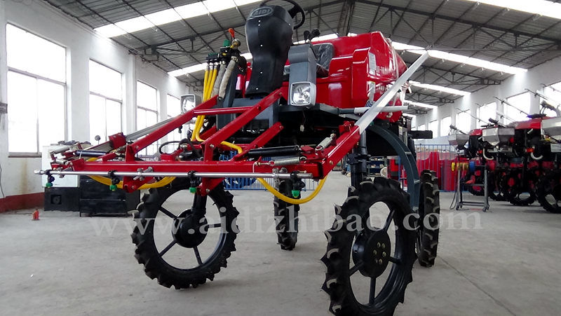Aidi Brand 4ws Hst Self-Propelled Boom Sprayer for Paddy Field and Farmland