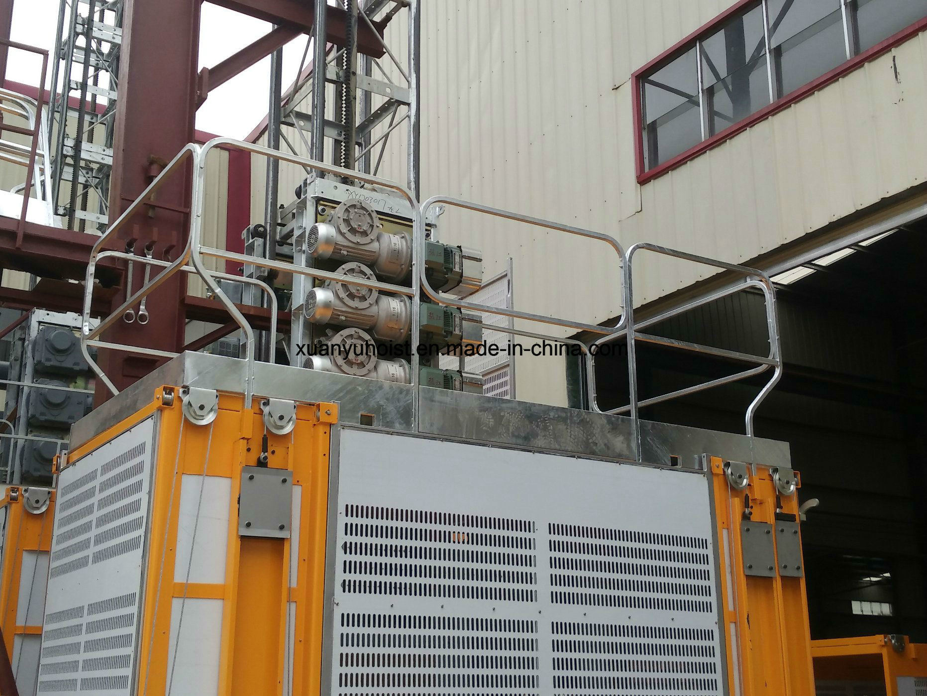 Factory Supplier Ce Approved Construction Elevator, Construction Hoist for Sale