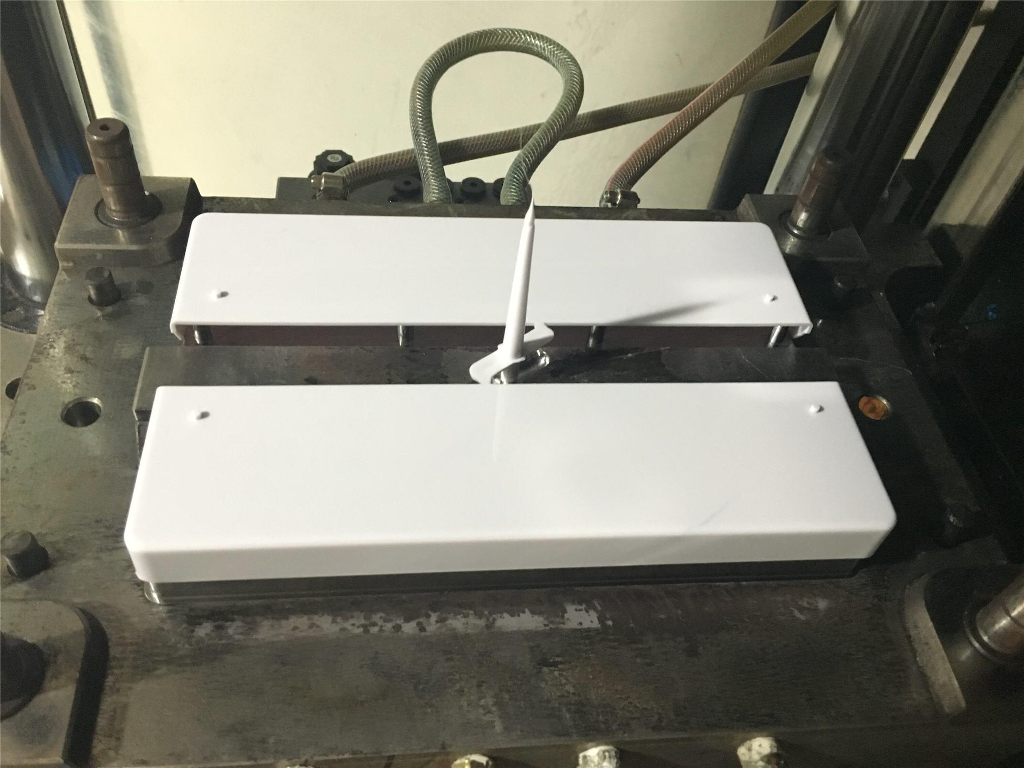 Injection Mold for Plastic Display ABS Lid