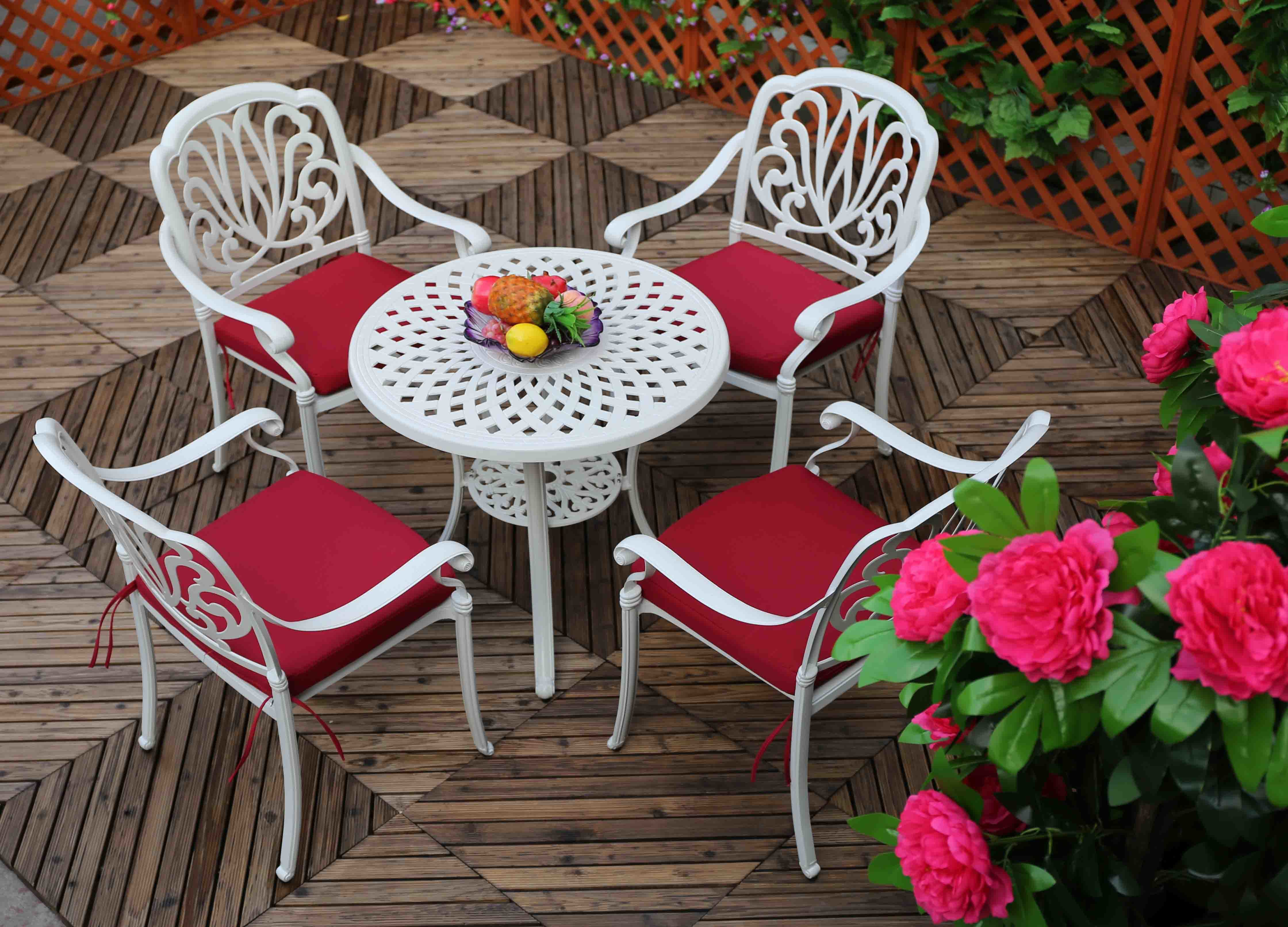 Classical USA Backyard Outdoor Garden Patio Dining Table and Chairs with Red Cushion