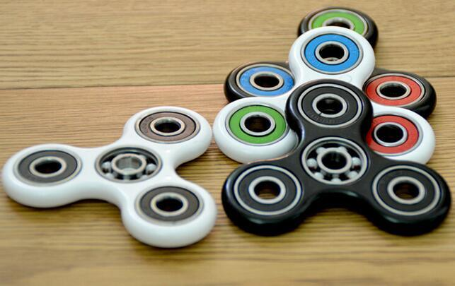Wholesale Price Relieves Stress and Anxiety Hand Fidget Spinner