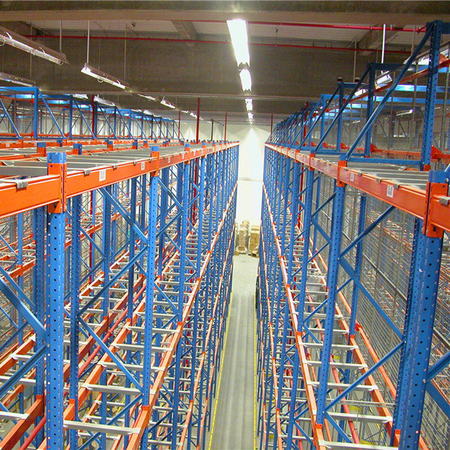 Vna Pallet Racking with Very Narrow Aisle Forklift