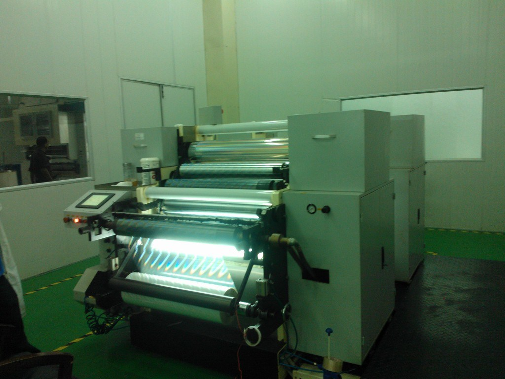 Hologram Seamless Embossing Machine De-800