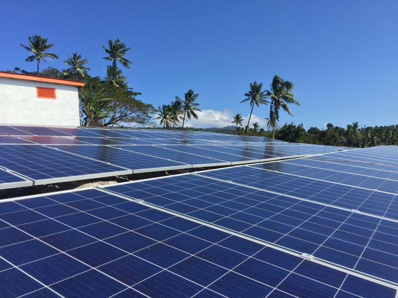 High Output Efficiency Solar Wind Energy off Grid System Supply Power for Island, Farm etc.