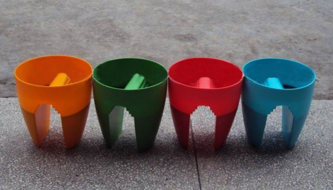 Water Saving Plastic Flowers and Plants Planter