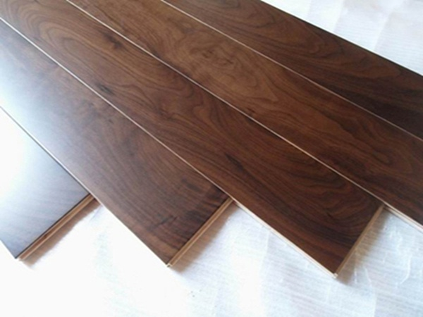 Natural Oiled Engineered American Black Walnut Wooden Floring/Timber Flooring