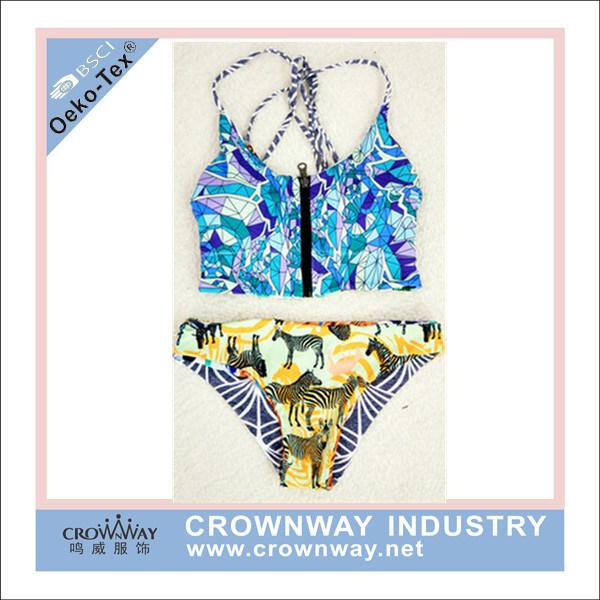 Open Hot Sexy Women Bikini Swimwear with Sublimation Printing
