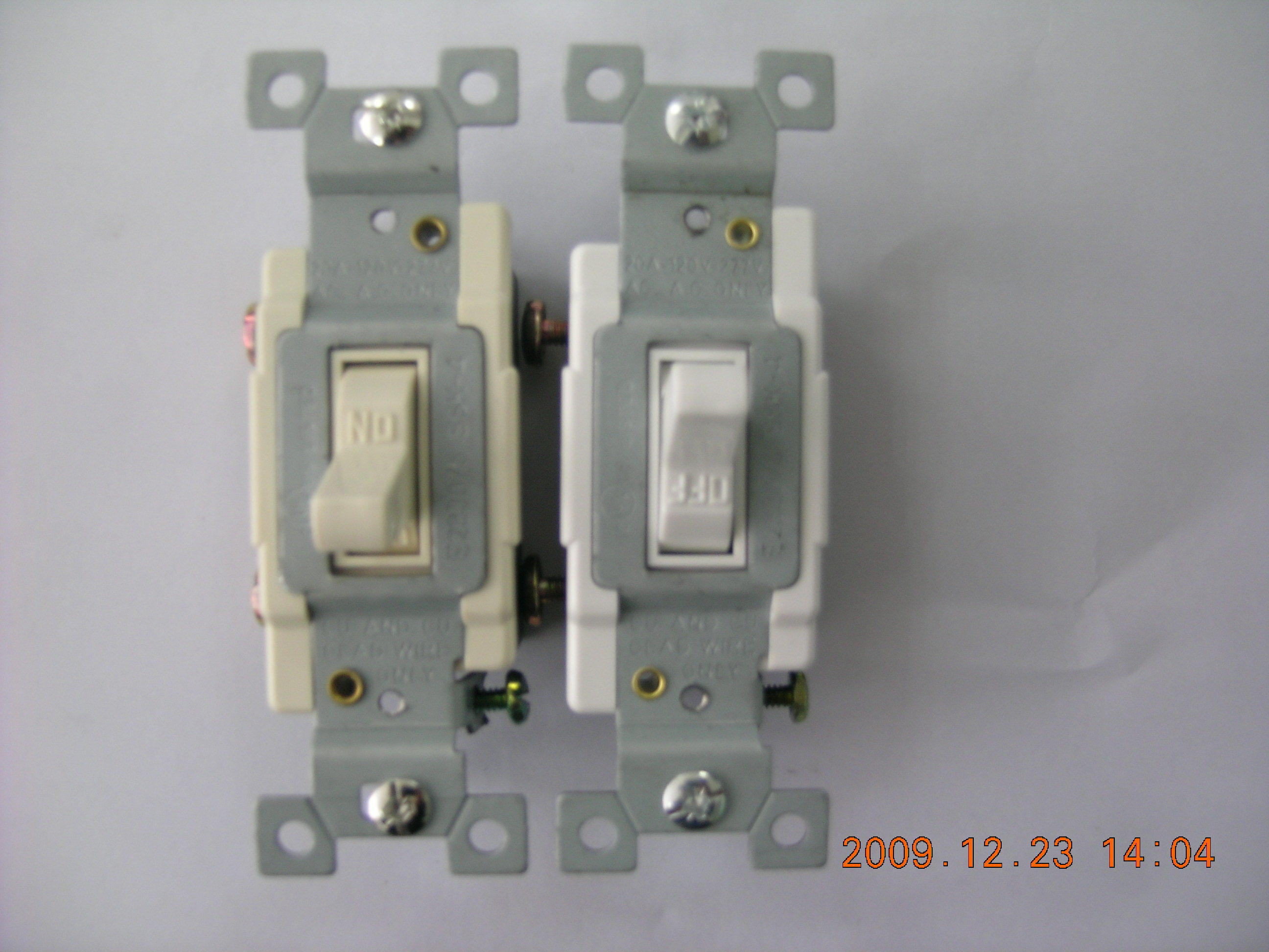 20A 120/277V Commercial Grade, Single Pole Toggle Switch