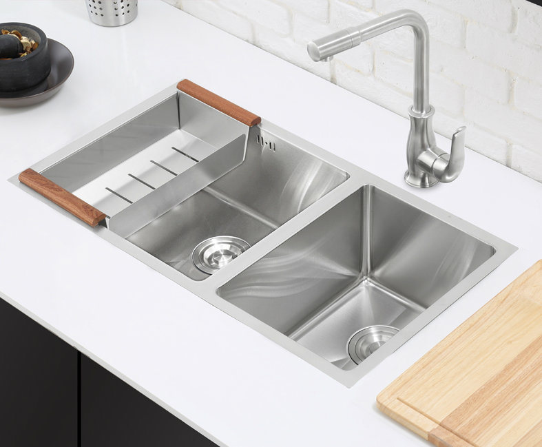 2015 New Hot Sale Stainless Steel Kitchen Sink (7843S)