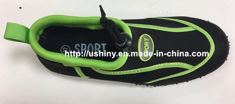 Hot Sell Classic Men′s Aqua Socks Water Shoes
