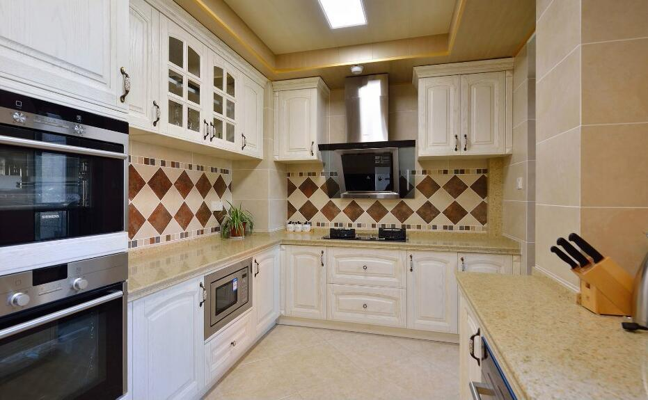 2017 New Design Wooden Home Furniture Kitchen Cabinet Yb1709255