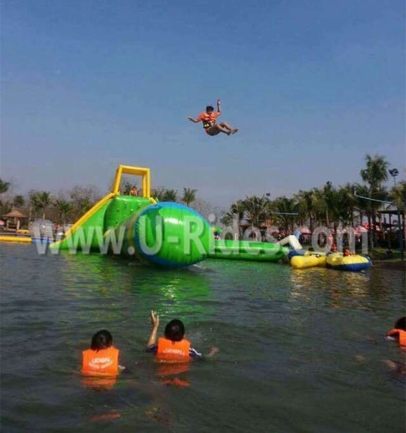 2015 New Design Floaing Water Park