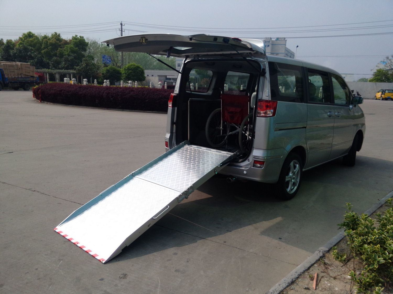 Aluminum Wheelchair Ramp for Van with Honeycom Board